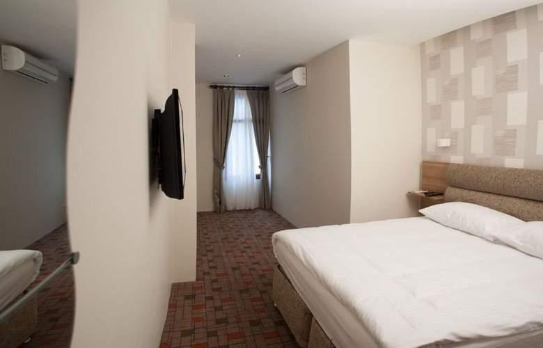 SERENE HOTEL - Room - 2