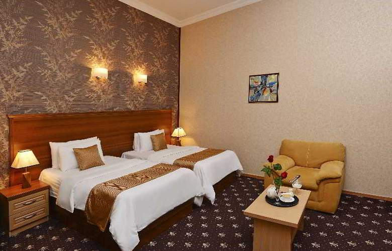 Riverside Hotel - Room - 2