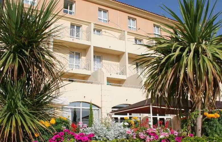 Balladins Royal Mirabeau - Hotel - 0