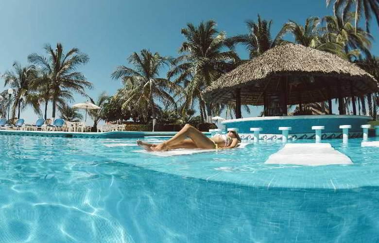 Suites Villasol - Pool - 4