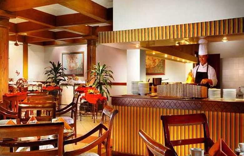 Santika Manado - Restaurant - 8