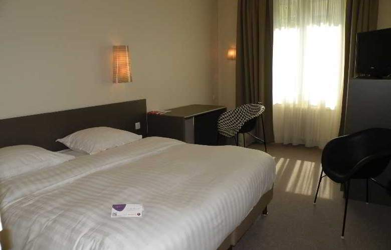 Inter-Hotel Le Sévigné - Room - 4