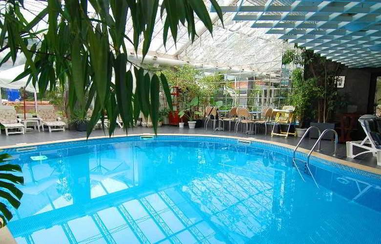 Bulgaria - Pool - 8