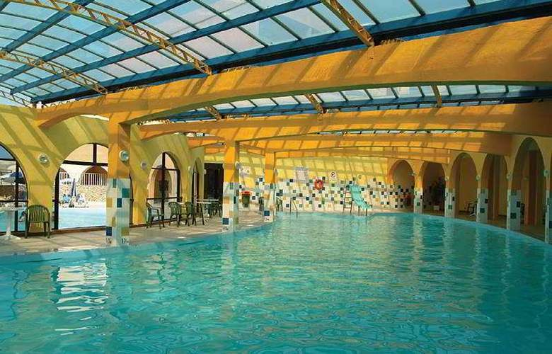 Paradise Bay - Pool - 8