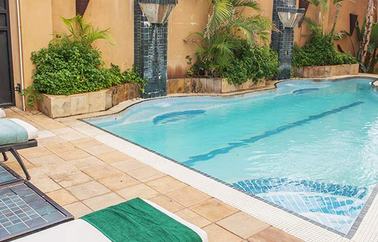 Peermont Mondior Gaborone - Pool - 3