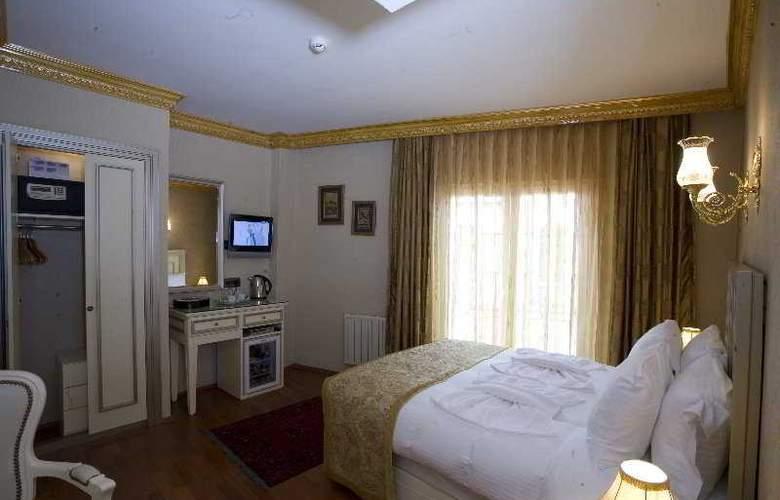 Maywood - Room - 3