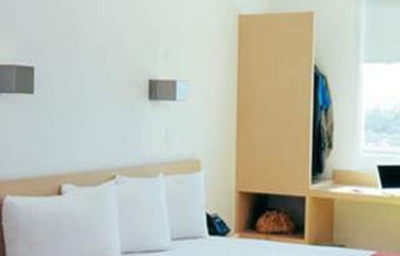 One Toluca Aeropuerto - Room - 2