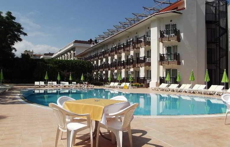 Ege Montana Hotel - Pool - 7