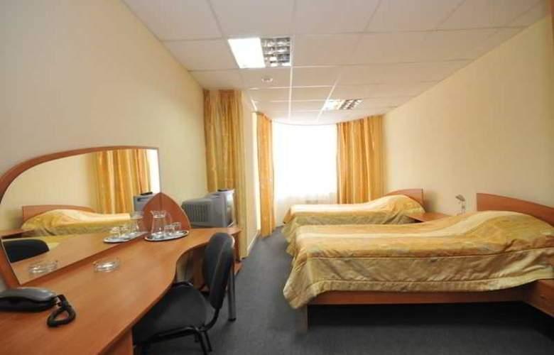 City Hotel - Room - 2