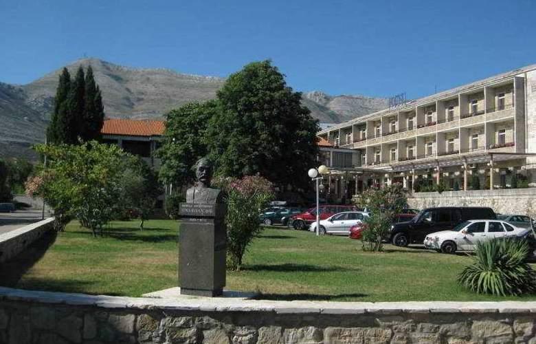 Leotar - Hotel - 0