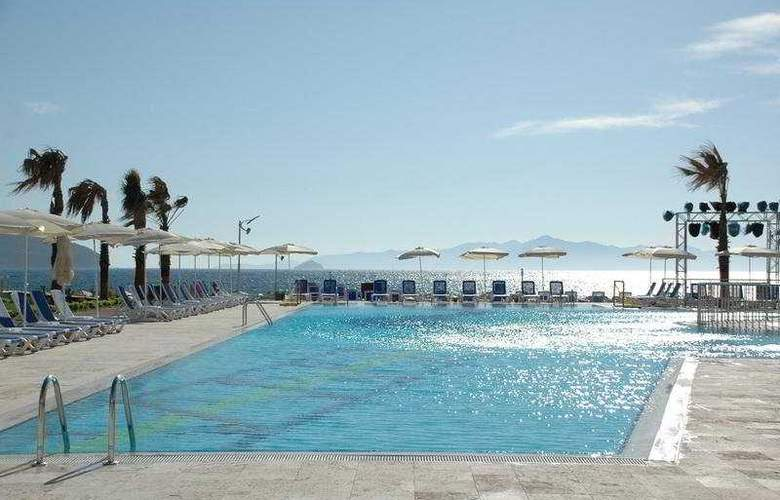 Yelken Spa Hotel - Pool - 9
