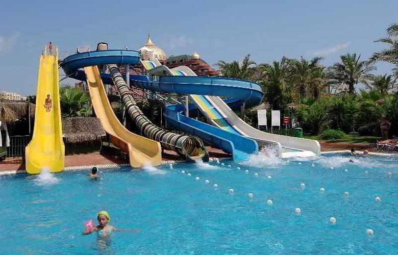 Delphin Palace - Pool - 24