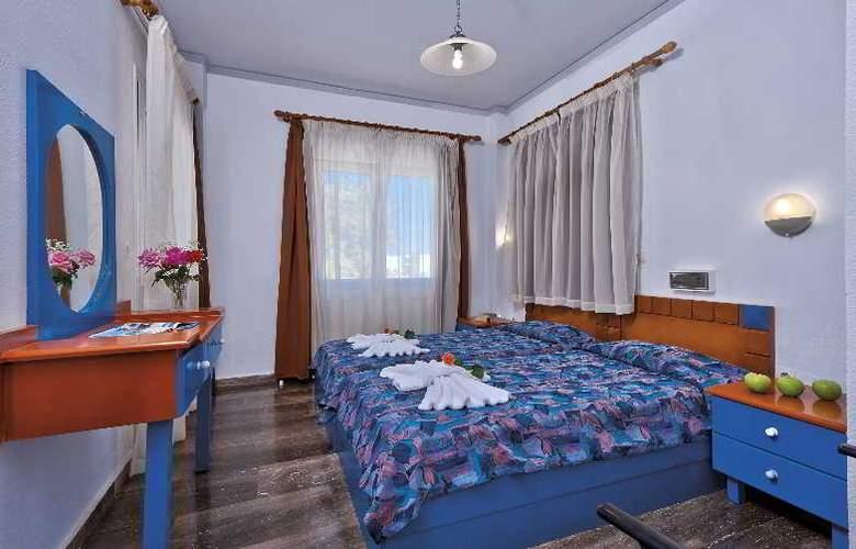 Koukouras - Room - 6
