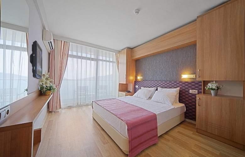 Sol Beach Hotel - Room - 1