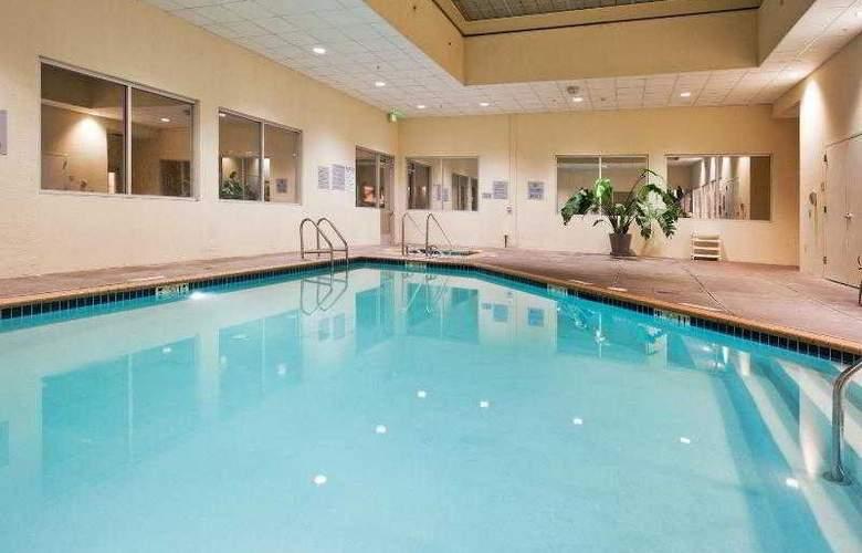 Crowne Plaza San Francisco Airport - Pool - 21