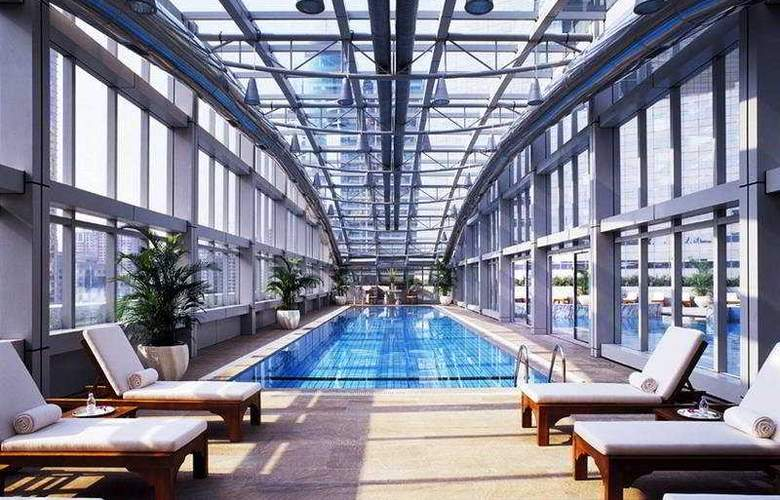 JW Marriott Shanghai Tomorrow Square - Pool - 2