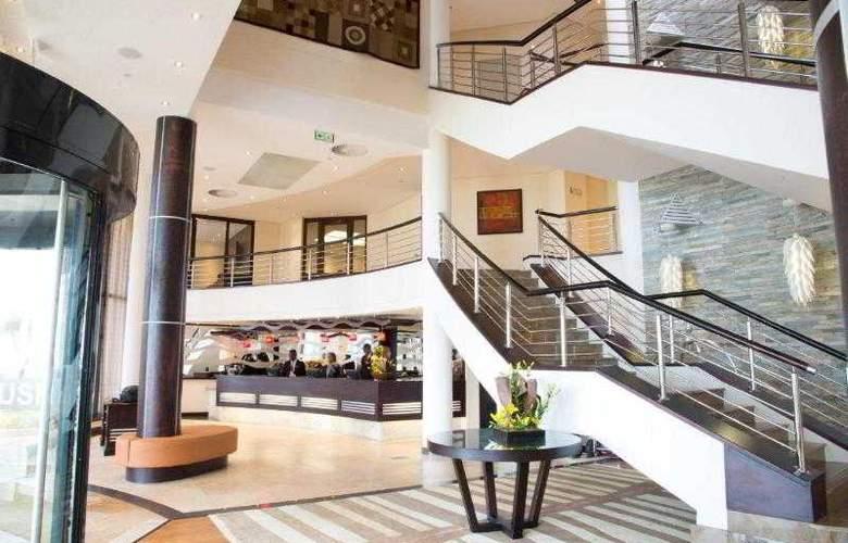 Premier Hotel ELICC - General - 10