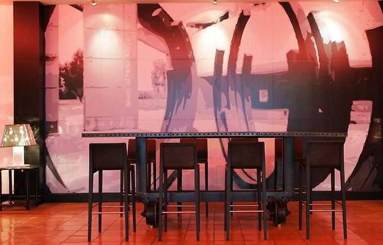 Arles Plaza - Bar - 6