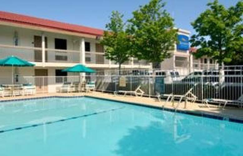 Baymont Inn and Suites Oklahoma City - South - Pool - 8
