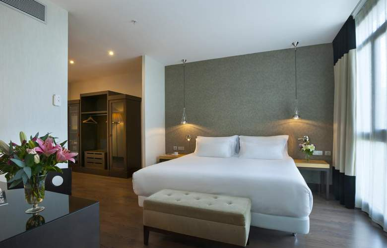 NH Collection Sevilla - Room - 10