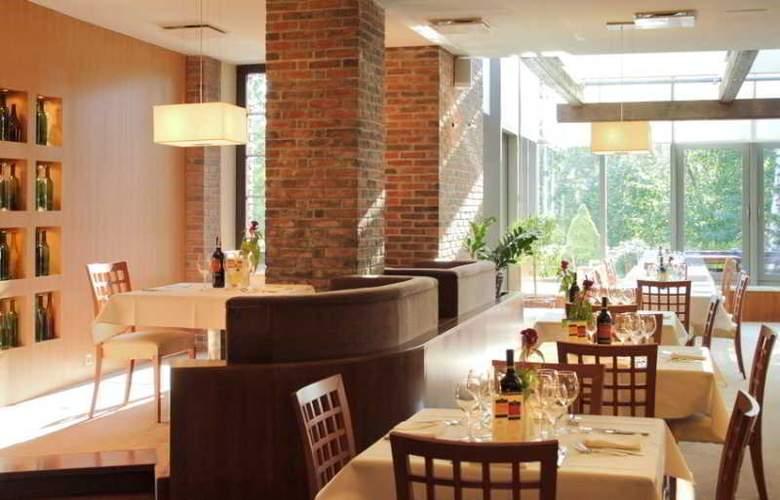 Hotel SPA Dr Irena Eris Wzgorza Dylewskie - Restaurant - 10