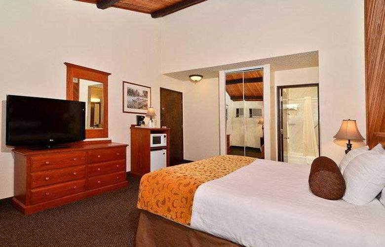 Best Western Plus Tree House Motor Inn - General - 3