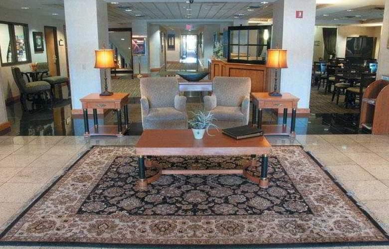 La Quinta Inn & Suites Garden City - General - 3