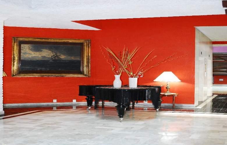 Aristos Puebla - Hotel - 21