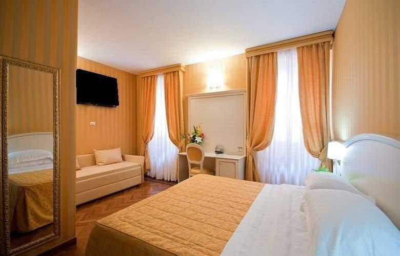 Relais Trevi 41 - Room - 1