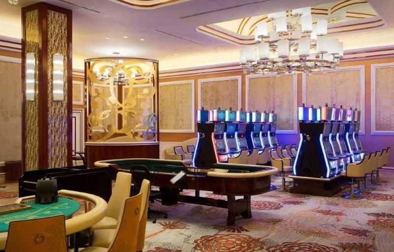 Solaire Resort And Casino - Sport - 6