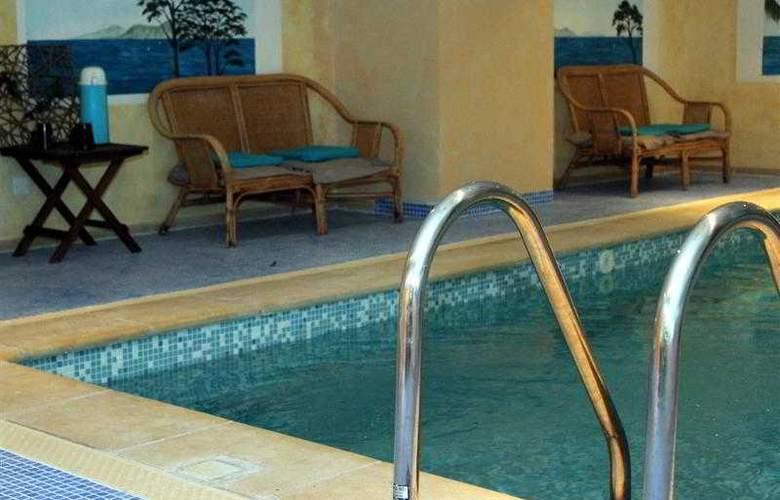 Best Western Soleil et Jardin Sanary - Hotel - 0