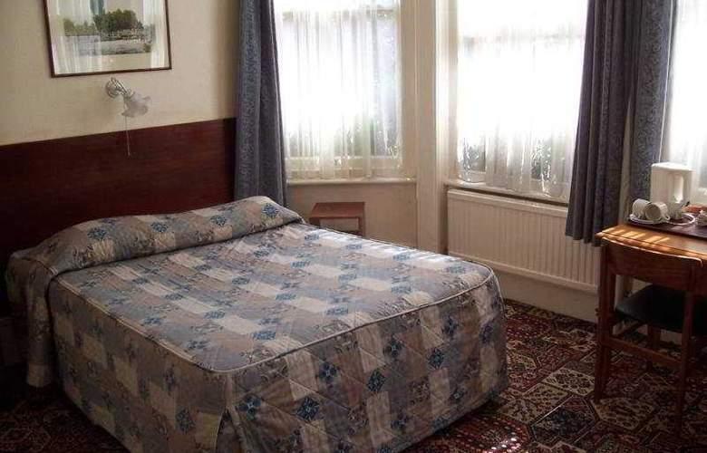 Queens - Room - 4