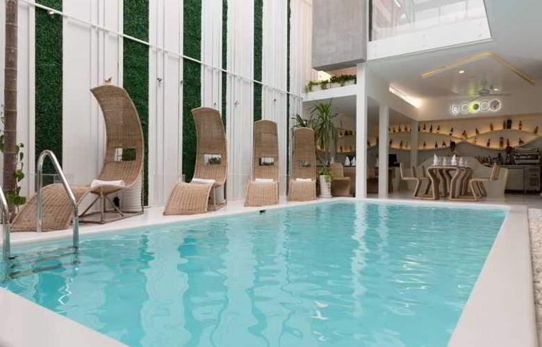 Le Blanc Boutique Hotel - Pool - 2