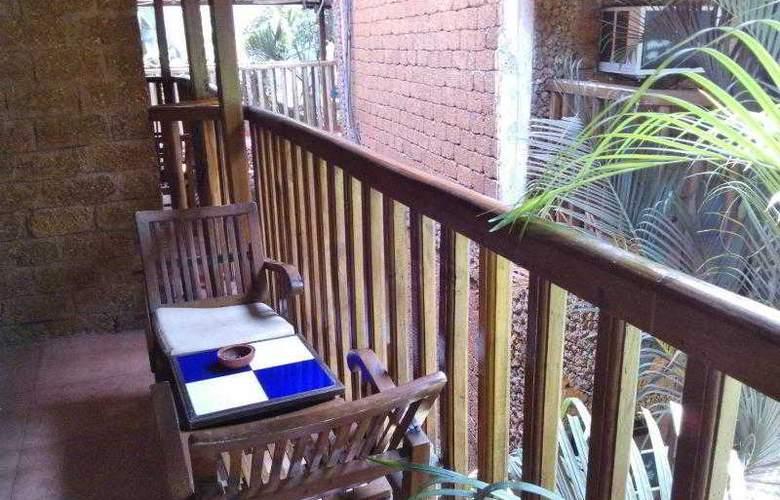 Ruffles Resort - Terrace - 3