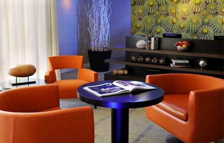 Courtyard Phoenix Airport - Hotel - 13