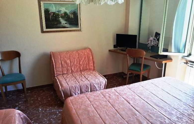 Di Stefano - Room - 8