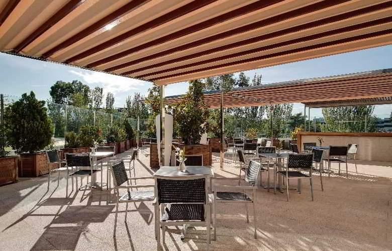 Rafaelhoteles Madrid Norte - Terrace - 54