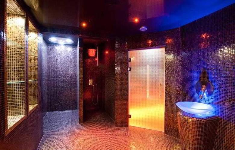 Best Western Grand Monarque - Hotel - 23