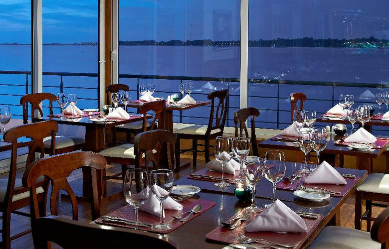 Radisson Colonia del Sacramento Hotel & Casino - Restaurant - 54