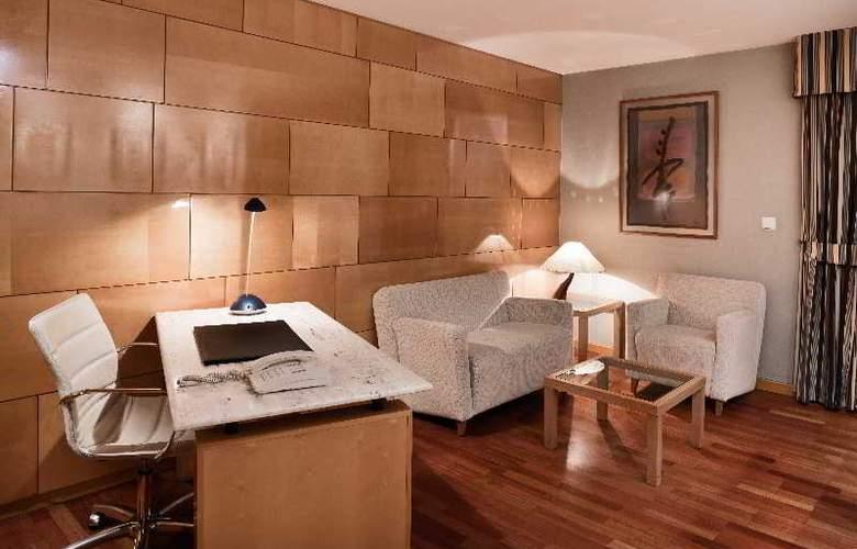 NH Ciudad de Valladolid - Room - 8