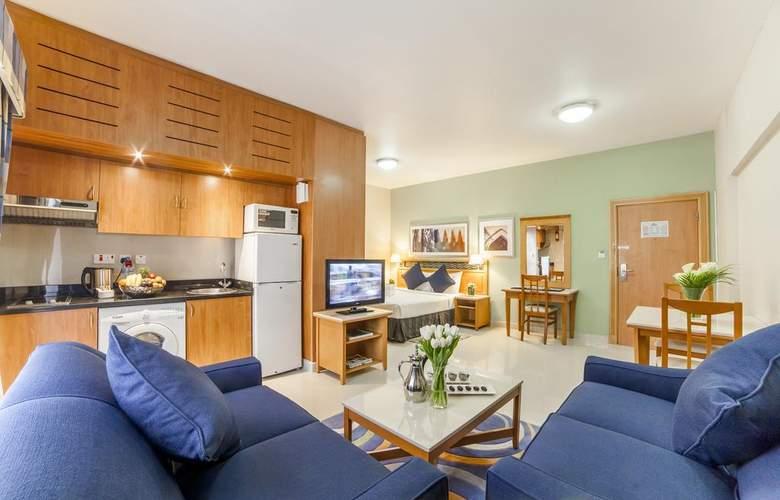 Golden Sands Hotel Apartments 3 - Room - 6