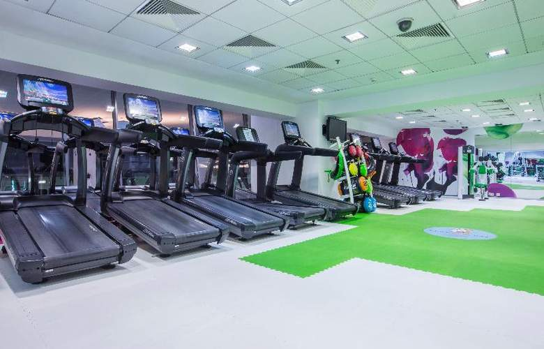 Park Inn by Radisson Bucharest Hotel & Residence - Sport - 6
