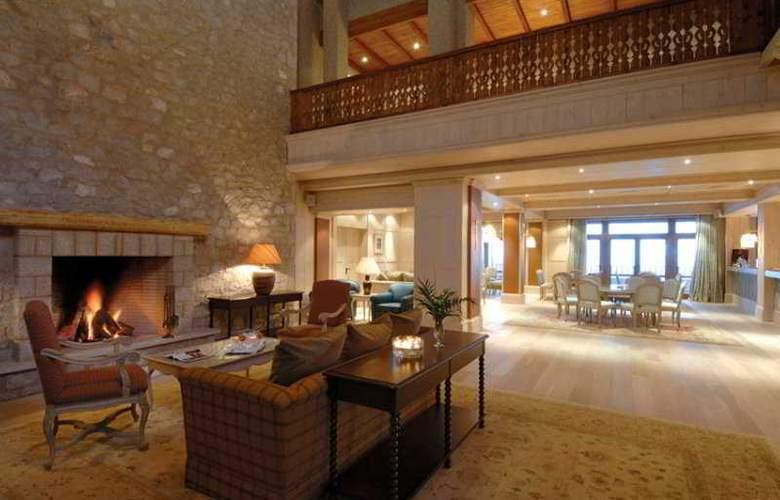 Santa Marina Arachova Resort & Spa - Hotel - 0