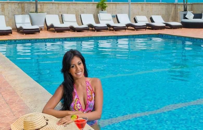 Cartagena Plaza - Pool - 19
