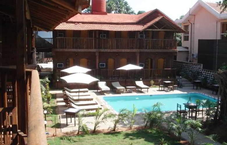 Ruffles Resort - Pool - 2