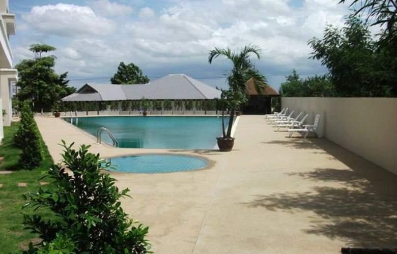 Taipan Resort & Condominium - Pool - 2