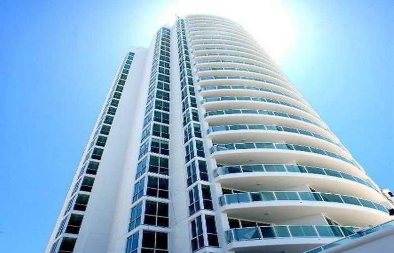 Pacific Views Resort - Hotel - 0