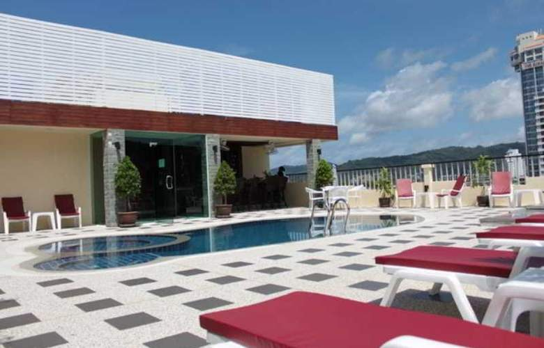 Patong Hemingways - Pool - 7