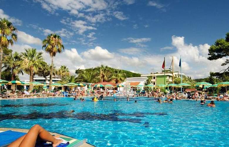 Tropikal Resort - Hotel - 0