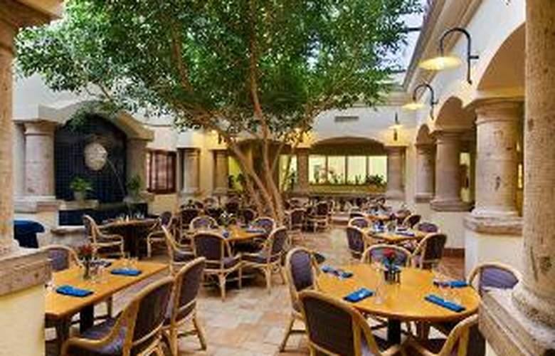 Hilton Houston Hobby Airport - Restaurant - 4
